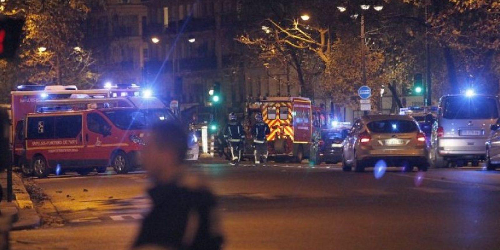Las versiones sin fundamento indican que los supuestos héroes abatieron a los terroristas en un restaurante parisino. Foto:Getty Images