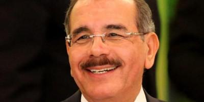 Danilo Medina anuncia entrega doble sueldo a partir del 4 de diciembre