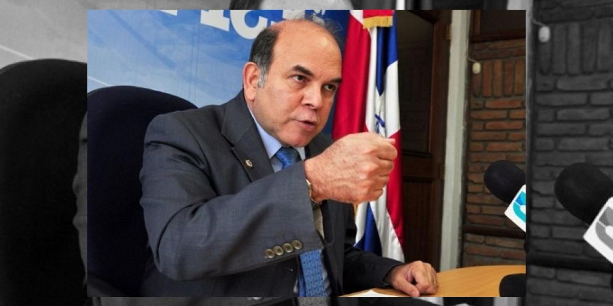 Pelegrín Castillo lanza su candidatura a la  Presidencia