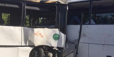 Al menos 9 fallecidos al chocar dos autobuses en carretera Verón-Higüey