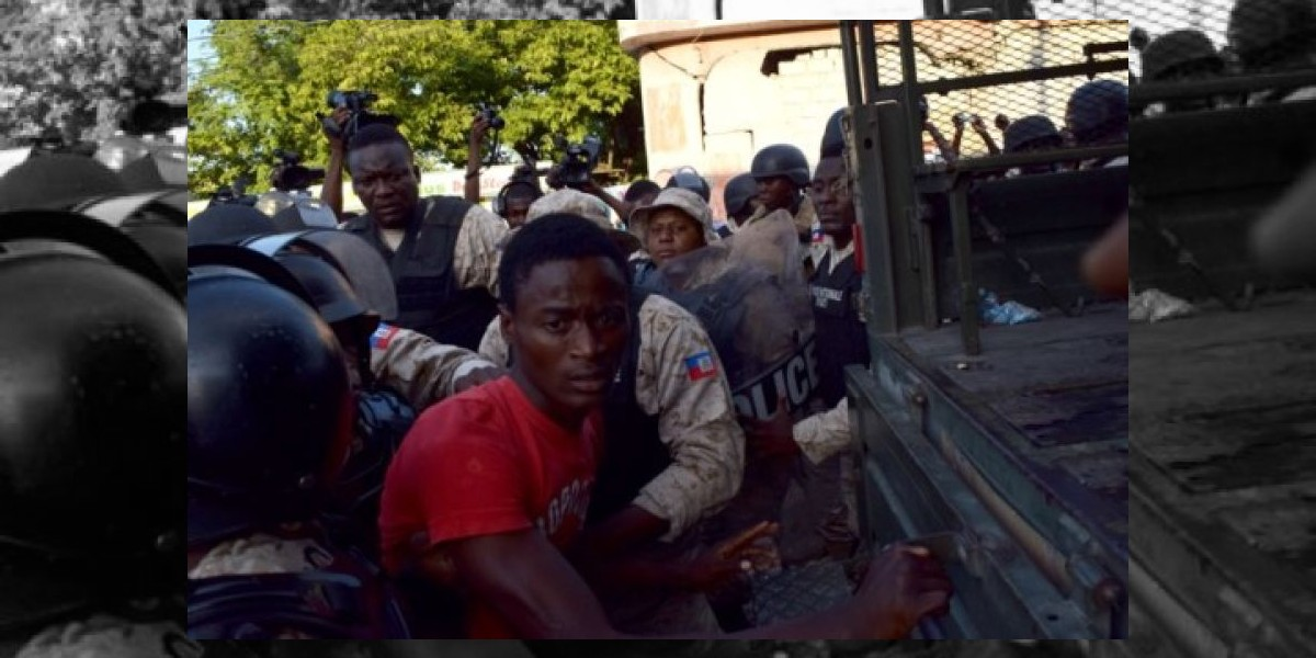 Miles de haitianos vuelven a Puerto Príncipe contra resultado comicios