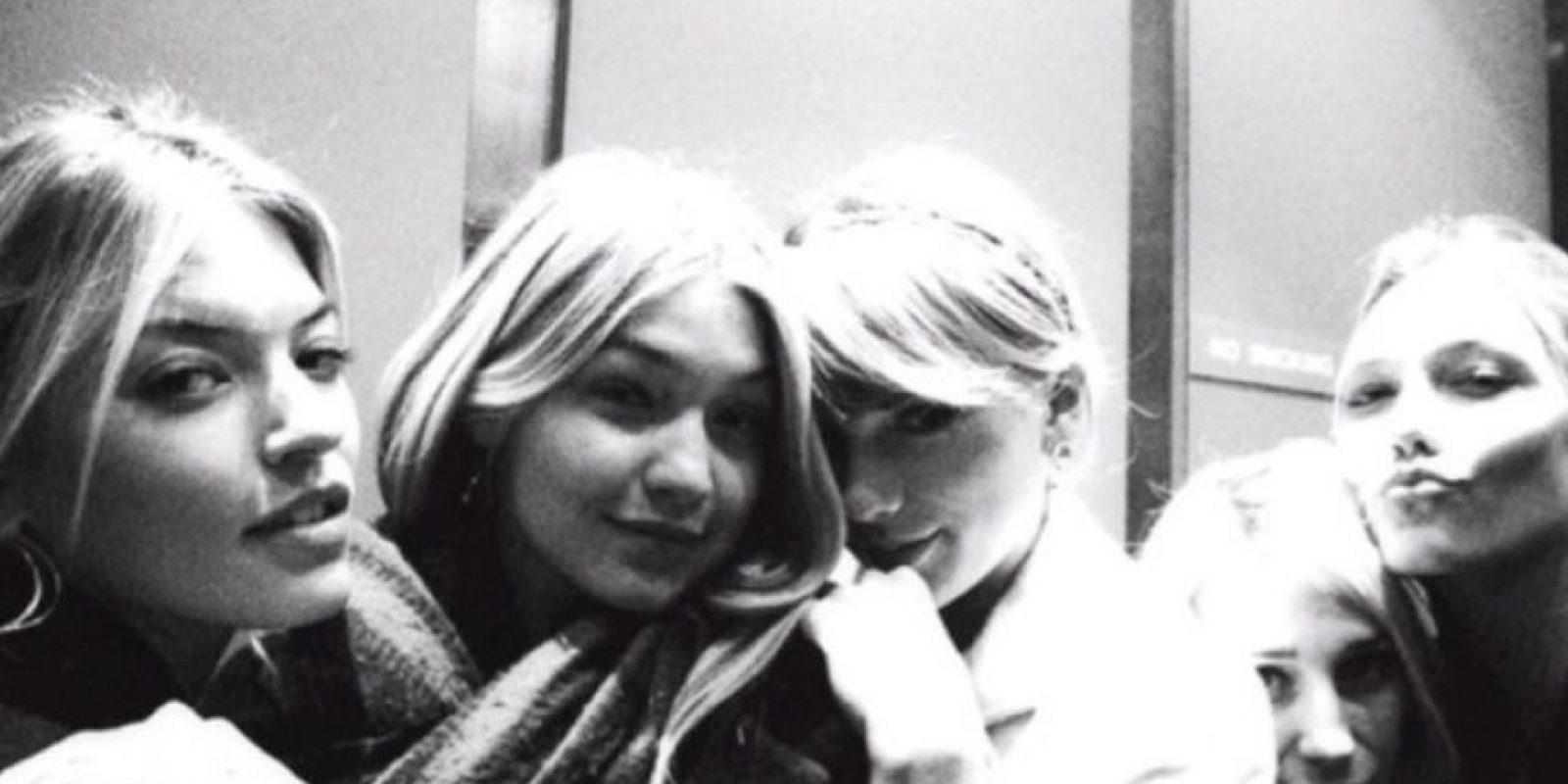 2. Tiene al mejor grupo de amigas. Karlie Klos, Gigi Hadid… Foto:Instagram/taylorswift