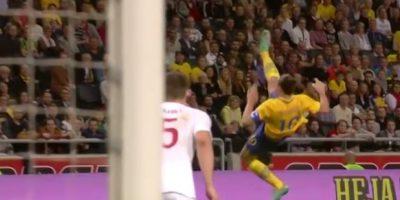Con una chilena de larga distancia en un amistoso entre Suecia e Inglaterra Foto:FIFA