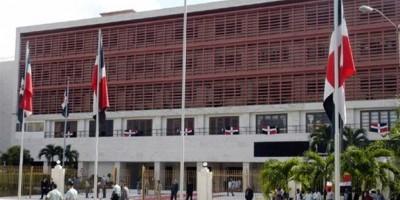 Cámara Diputados aprueba desembolso 11,000 millones para regalía de Pascua
