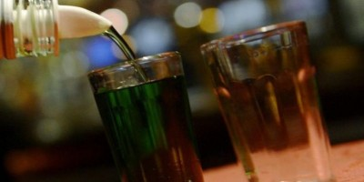 Confiscan en Barahona decenas de bebidas alcohólicas falsificadas