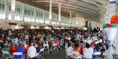 Gobierno celebra Sans Soucí acto navideño para 4,000 ancianos