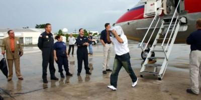 Estados Unidos repatría grupo de 97 exreclusos dominicanos