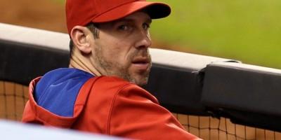 El lanzador Cliff Lee puede volver a lanzar, según los médicos que los operaron