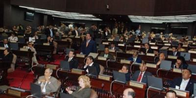 Diputados aprobarían reforma Policía Nacional antes finalizar 2015