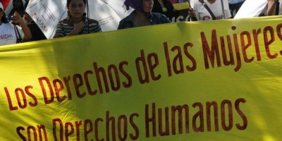 """Defensoras derechos de mujeres """"indignadas"""" por decisión del TC sobre aborto"""