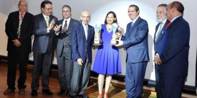 Medina felicita a ganadores del Premio Periodismo Turístico Epifanio Lantigua