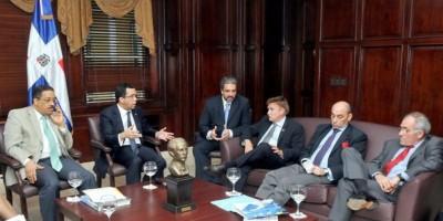 Navarro y Rosario se reúnen embajadores EEUU, UE y PNUD sobre trato haitianos