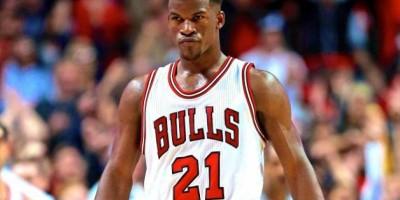Jimmy Butler, molesto por iniciar sentado los últimos cuartos con los Bulls