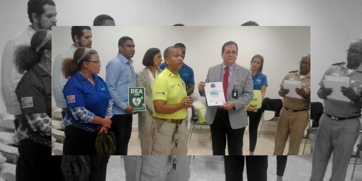 Edificio del 911 es certificado como primer espacio cardioprotegido del país
