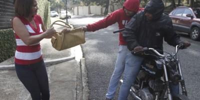 Los robos a mano armada desacreditan a motoristas