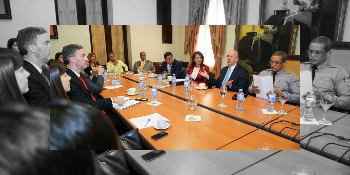 Domínguez Brito se reunió con Sector licorero de RD
