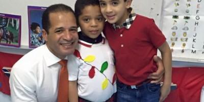 Cientos de seguidores comparten fotos De los Santos publicó hoy en Facebook