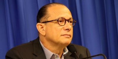 Ministro Cultura dice que violencia no debe ser opción para dirimir conflicto
