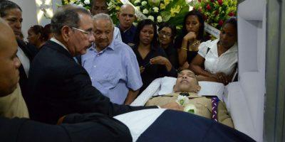 Presidente acude al velatorio del escolta asesinado junto a Juan de los Santos
