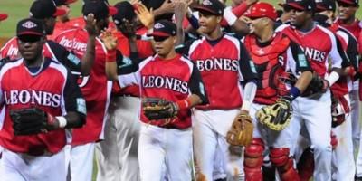 Leones vencen Gigantes y dan paso de avance en Béisbol dominicano