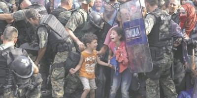 La mejor foto del año de UNICEF: refugiados sirios en la frontera greco-macedonia
