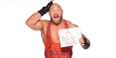 Rayback quiere un autobús Foto:WWE