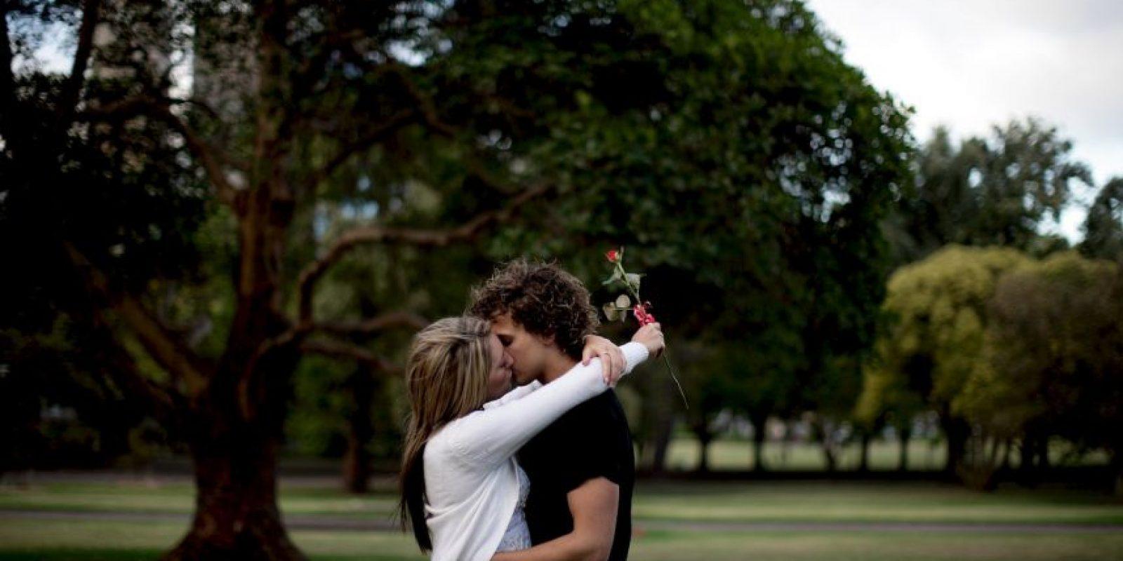 Haz tu lista de deseos: anota todo aquello que deseas en una pareja y visualiza situaciones amorosas. Funciona. Foto:Getty Images