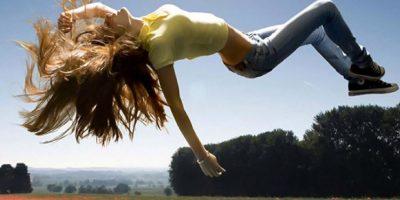 """""""Estos movimientos convulsivos constituyen una auténtica afección médica denominada trastorno del movimiento periódico de los miembros, que puede ser, a veces, un signo del trastorno del sueño denominado narcolepsia, en el que una persona se queda dormida sin quererlo"""". Foto:Pixabay"""