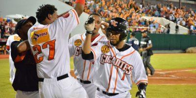 Gigantes vencen Tigres y siguen vivos en béisbol dominicano