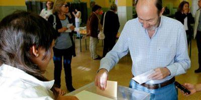 El Partido Popular gana elecciones españolas lejos de la mayoría absoluta, según sondeos