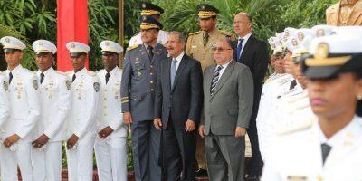 Danilo Medina encabeza graduación de 35 cadetes de la Policía Nacional