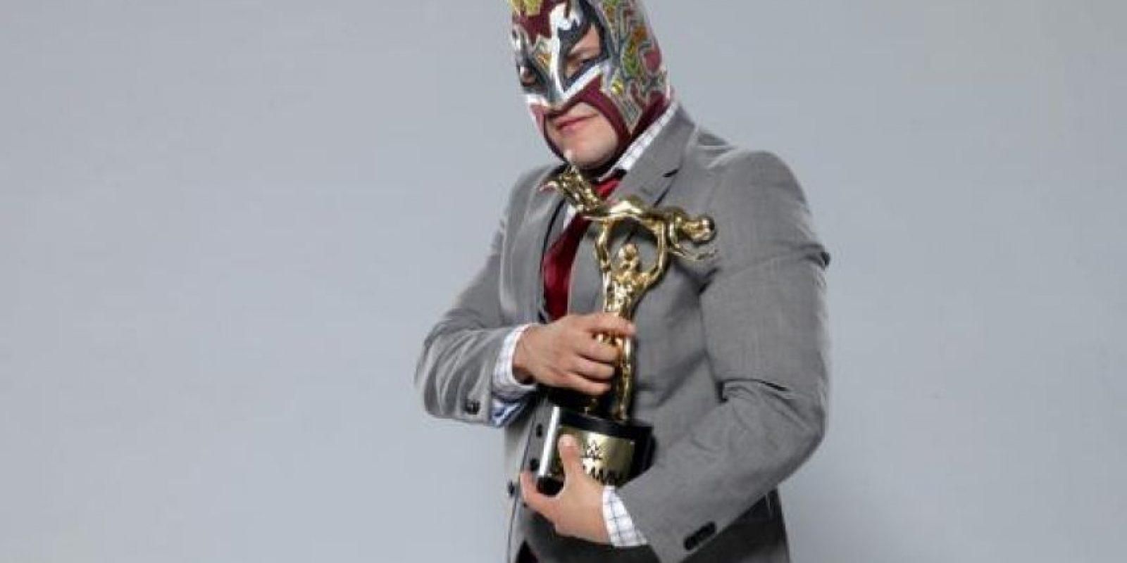 """El enmascarado ganó el """"Momento chocante del año"""", por su lance en TLC Foto:WWE"""