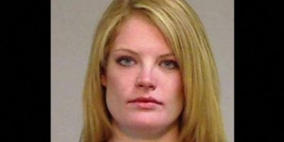 Lauren Redfern fue arrestada después de que la descubrieran teniendo relaciones sexuales con un alumno de 17 años de edad, en el baño de las maestras Foto:Eagle County Sheriff's Office