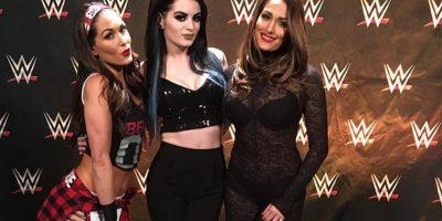 Diva de WWE presume su abdomen perfecto en las redes sociales