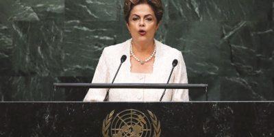 Dilma Rousseff. En marzo se estima que 1,5 millones de personas salieron a las calles en todo Brasil a protestar por el escándalo de corrupción de la gigante petrolera estatal Petrobras. Algunos ya han pedido juicio político para la presidenta Dilma Rousseff. Durante el período en el que Rousseff lideró la junta directiva de Petrobras hubo sobornos a políticos de alto nivel, por un total estimado de US$3,8 mil millones. Foto:Fuente Externa
