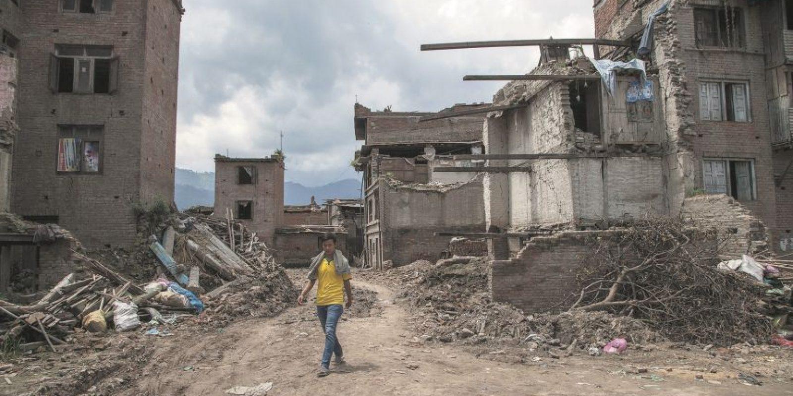 4. Terremoto de Nepal. Devastación y decenas de muertos. Un sismo de 7.3 grados de magnitud y sus 17 réplicas mataron a más de 9,000 personas e hirieron a más de 23,000 en abril. El temblor afectó a Nepal, India, China y Bangladesh. Cientos de miles de personas se quedaron sin hogar, con pueblos enteros en el suelo. El terremoto también provocó una avalancha en el monte Everest, matando al menos a 19 personas y haciendo del 25 de abril el día más mortífero en la historia de la montaña. Foto:Fuente Externa