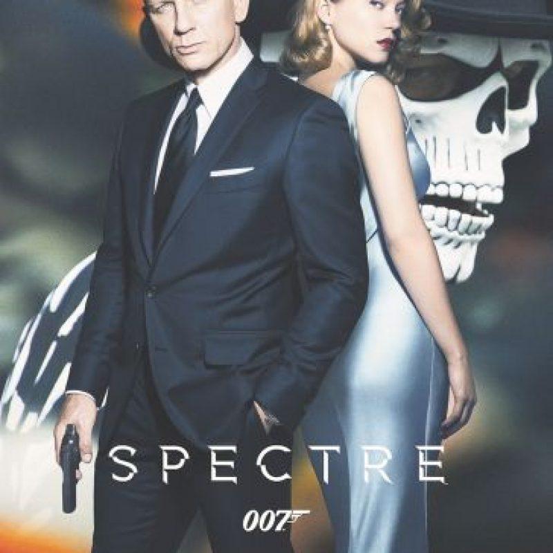 Spectre. Daniel Craig está de vuelta como James Bond (tal vez por última vez) en la muy esperada Spectre. La película, estrenada en noviembre, causó gran emoción en diferentes partes del mundo, presentando lugares de rodaje en países tan diversos como México, Italia, Marruecos, Austria y Reino Unido. La última salida 007 ha sido un éxito de taquilla, ganando hasta ahora un total de US$793 millones en todo el mundo. Foto:Fuente Externa
