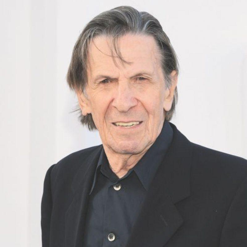 Leonard Nimoy. Mr. Spock murió el 27 de febrero a los 83 años de una enfermedad pulmonar obstructiva crónica. Nimoy fue famoso como un icono de Star Trek por su papel del mitad vulcano mitad humano, Spock. Su actuación le valió tres nominaciones al Emmy y ayudó a lanzar su carrera como escritor y director. Nimoy también tuvo una prolífica carrera como actor de voz y narrador. Foto:Fuente Externa