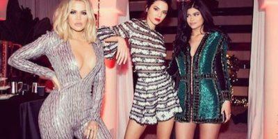 Las estrellas de de Keeping Up With The Kardashians celebraron la Noche Buena, sin embargo, ellos lo hicieron muy a su estilo. Foto:Instagram/khloekardashian