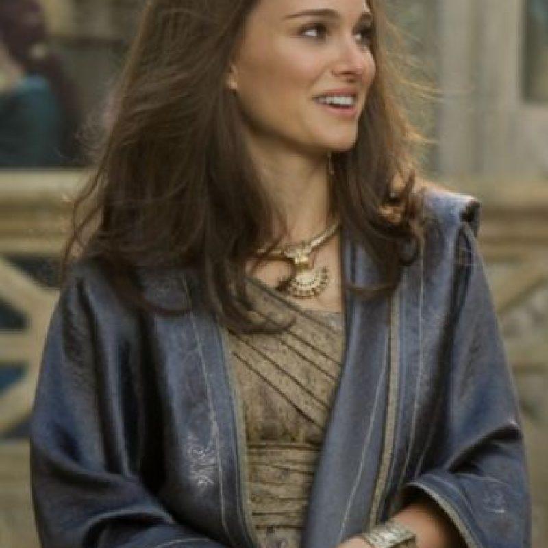 """Aún así, la actriz no filmó la escena post-créditos, en la que """"Thor"""" y """"Jane"""" finalmente se besan, y allí fue la verdadera esposa de Chris Hemsworth, Elsa Pataky, la que apareció en el papel de """"Jane"""". Foto:Marvel"""