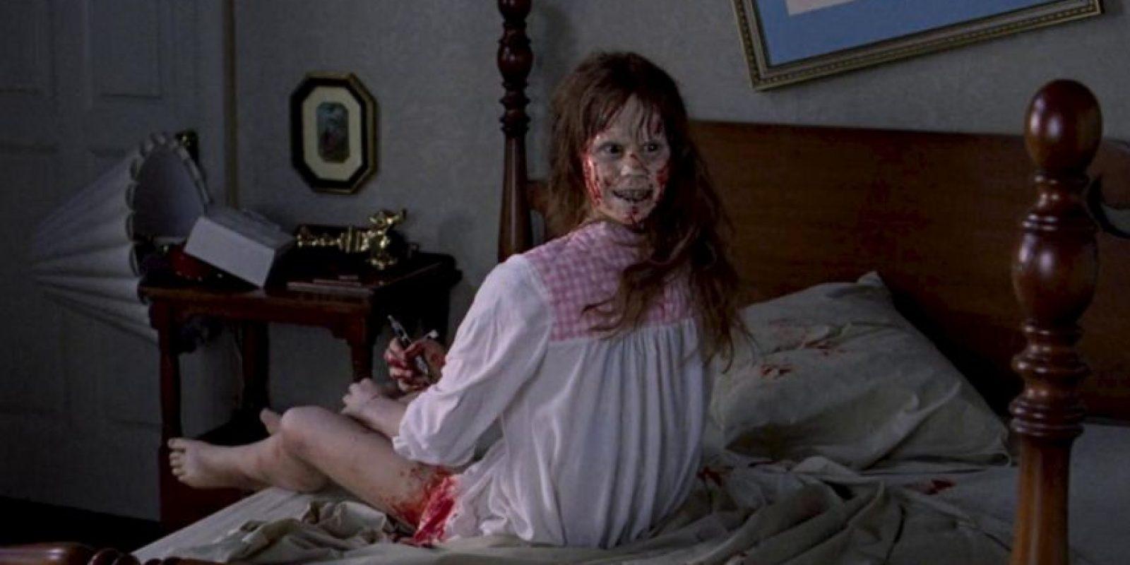 """""""Linda Blair"""" en la famosa escena de """"El Exorcista"""". Foto:Warner Bros."""