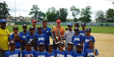 El combinado de Juan de Herrera exhibe por todo lo alto la corona de campeón en el Nacional de béisbol. Foto:Fuente Externa