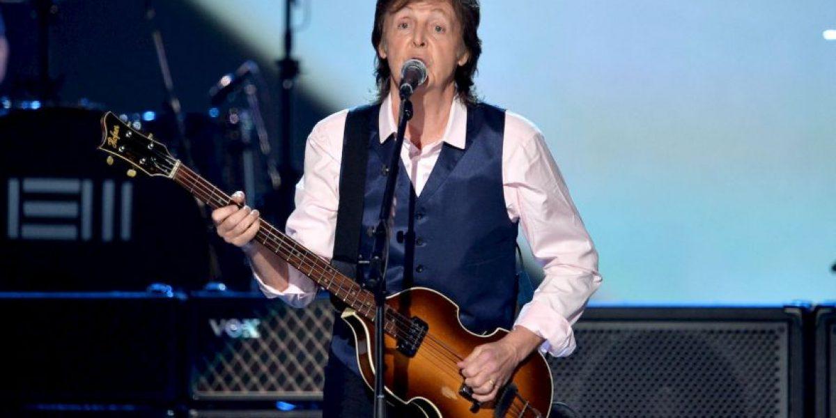 Miren cómo luce Paul McCartney a sus 73 años en traje de baño