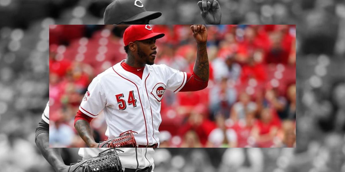 Los Rojos cambian a Aroldis Chapman a los Yankees por cuatro jugadores