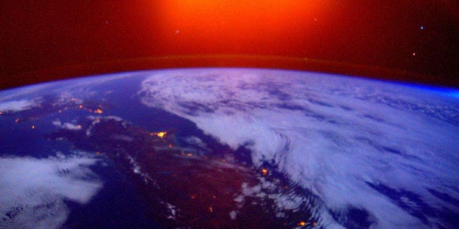 El amanecer sobre Nueva Zelanda. Foto:Vía Twitter @StationCDRKelly