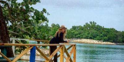 Paulina Rubio disfruta de su embarazo en Jamaica