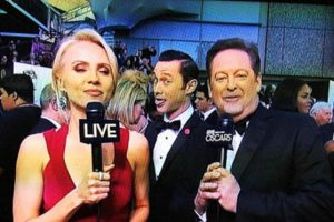 Joseph Gordon-Levitt interrumpiendo en la cobertura de los premios Óscar. Foto:YouTube