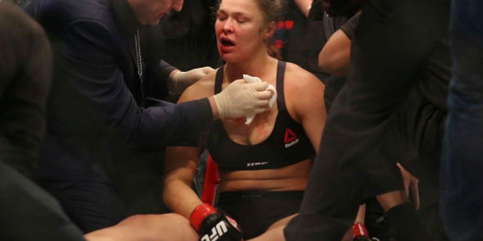 Ronda Rousey perdió por primera vez en su carrera en las artes marciales ante Holly Holm Foto:Getty Images