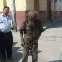 Miembros de una comunidad religiosa en Perú decidieron hacerle un cambio a este vagabundo. Foto:Vía facebook.com/municipalidaddeferrenafe