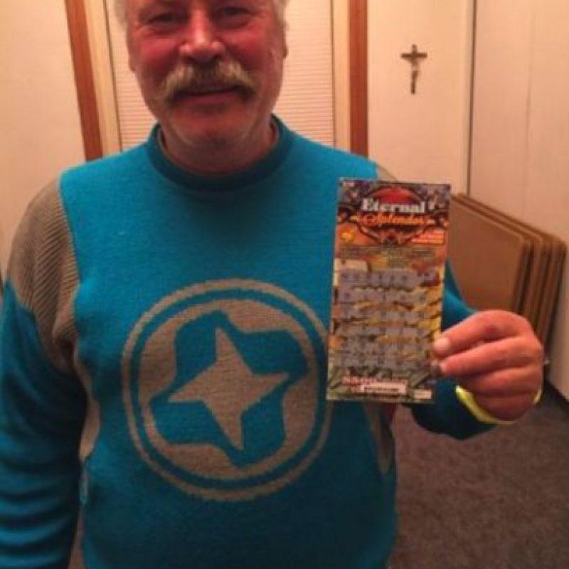 A Michael Engfors le cambió la vida, luego de ganar en la lotería. Foto:Aspen Homeless Shelter